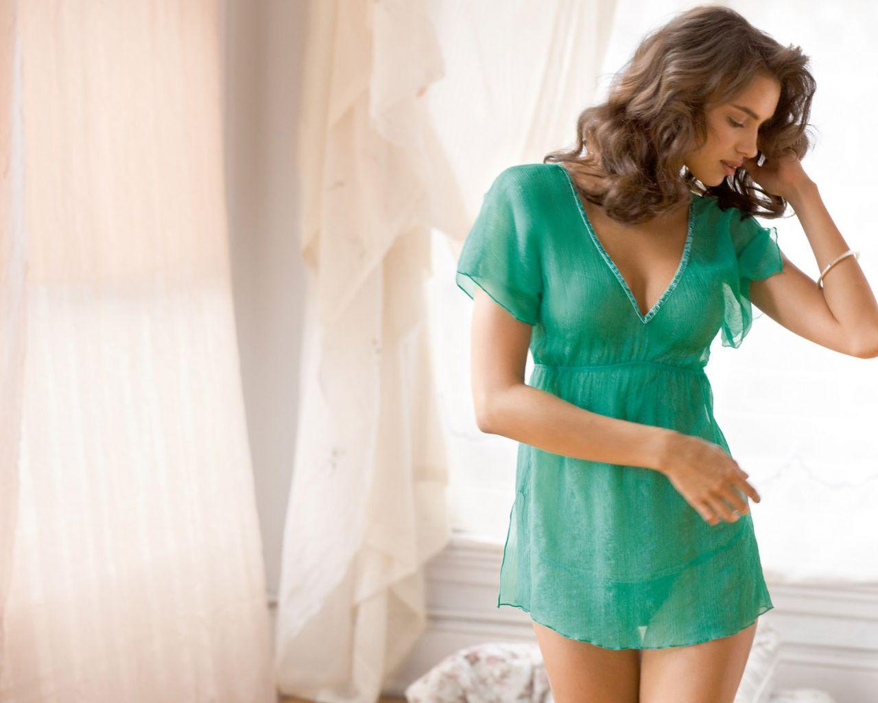 Девушка в ночной рубашке фото в домашних условиях