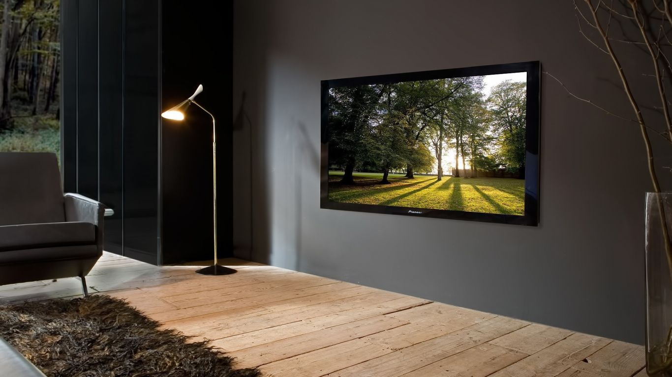 Большой телевизор на стене дизайн