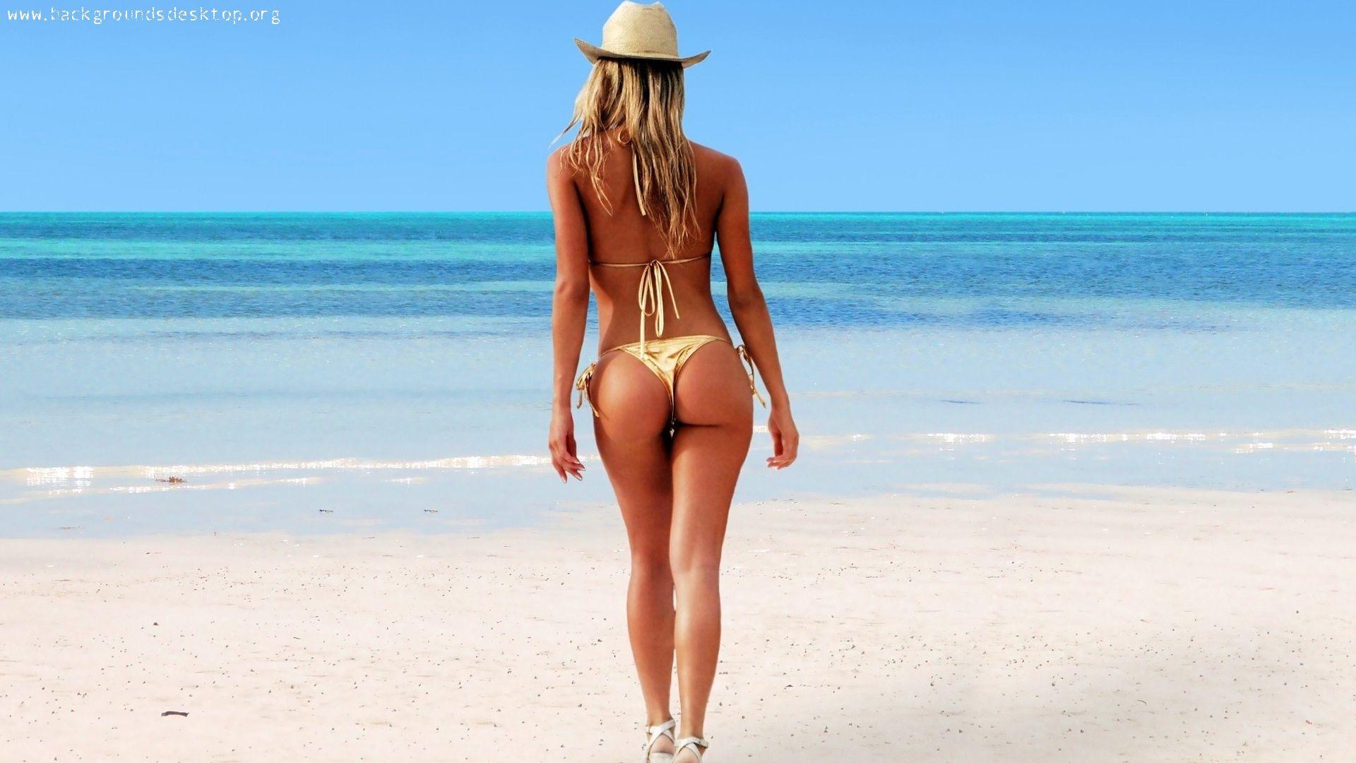 Сексуальная тлка на пляже
