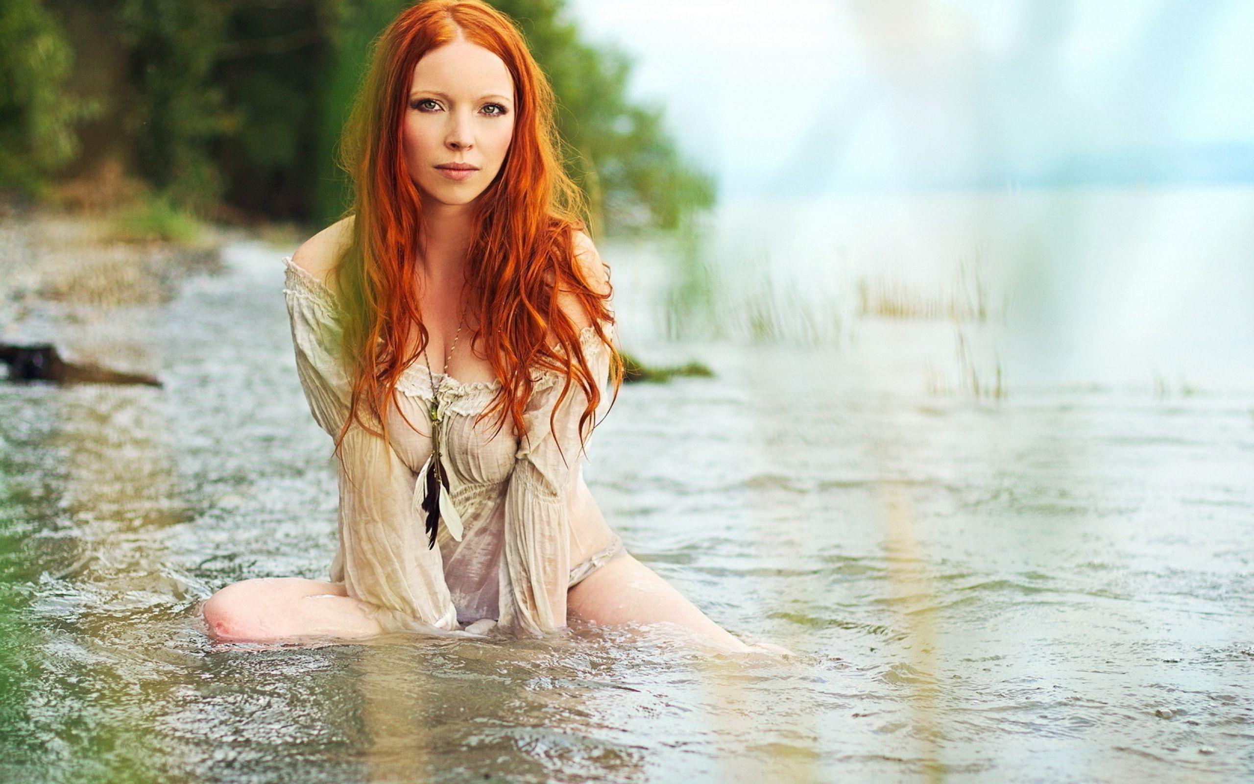Фото девушек на природе река 1 фотография